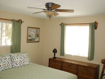Master Bedroom with Queenbed