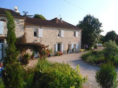 Blanchou Cottage, Beautifully Renovated With Magnificent Views and pool.