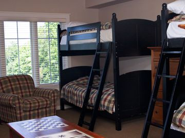 Bunk Room with 2 sets of Bunk Beds