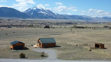 Paradise Valley cabin rental - Overview of cabin