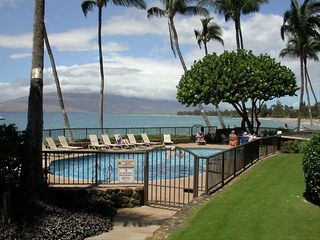 Kihei condo photo - Another Oceanside Pool View