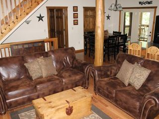 Branson lodge photo - Open Living Room and Dining Room