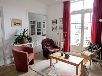 Apartment in stylish, classic manor house in the Statenkwartier in the Hague.