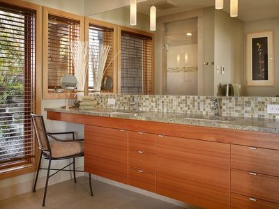 Greenbank estate rental - Luxury bathrooms, custom cabinetry,granite, tile. Master bath has steam shower