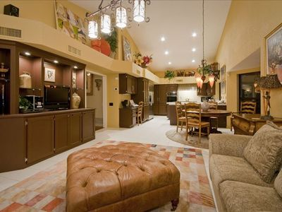 Scottsdale house rental - Large Breakfast Area, Family Room & Wet Bar