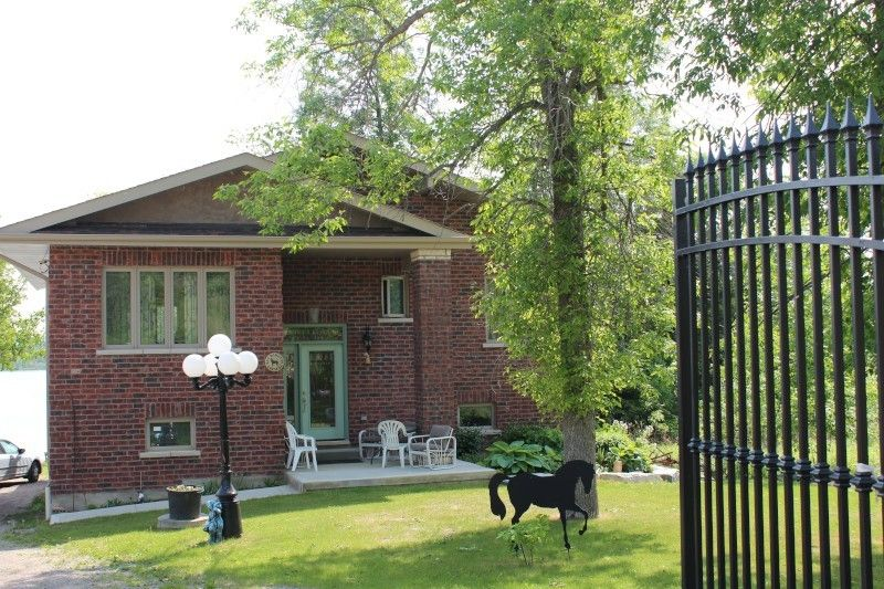 Villa julia cottage come book today homeaway ontario for Cottage come case