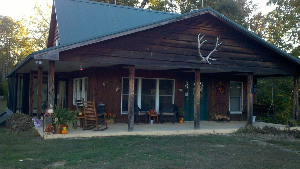 Croy 39 s cabins hunting fishing lodge and vrbo for Fishing cabins in tennessee