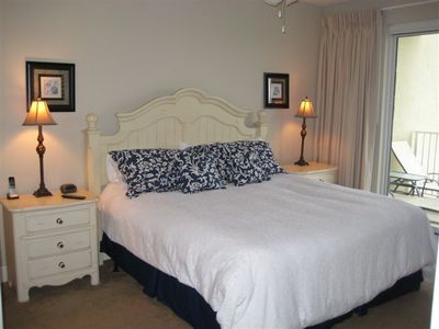 Ariel Dunes condo rental - King bed in master with balcony access...Fantastic Views!