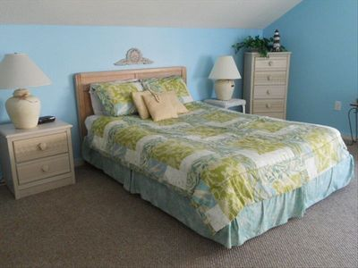 Upstairs bedroom - 2 queen beds, house 1188