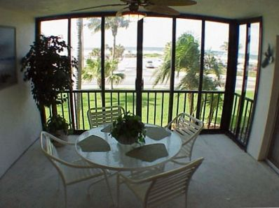 Large screened in lanai overlooks the Gulf
