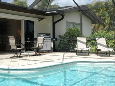 Poolarea  und Barbeque