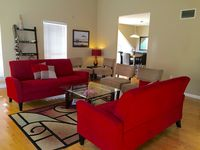 Luxury 3bd/2ba Newly Remodeled Villa - Sleeps 6 adults & 4 children
