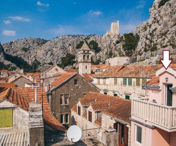 Apartment Aldo in Center of Omis with Balcony & Stunning Views