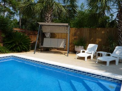 El Centro Beach house rental - Nice 3 Person Swing, Sun Lounge Chairs + great Outdoor Furniture Patio Set & BBQ