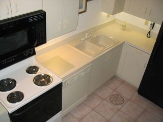 Bradenton condo photo - Fully stocked Kitchen, Appliances new Oct 2007