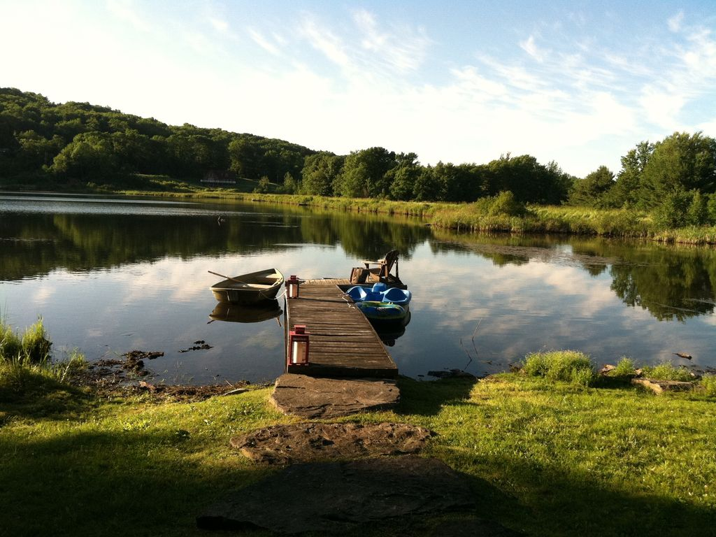 Private lake front rustic cabin on lake homeaway stamford for Private fishing lakes