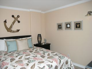 Galveston condo photo - 2nd Bedroom. Crown molding and tile floors throughout the unit. Sweet!