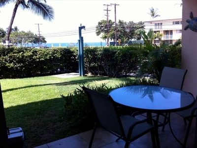 New patio furniture - looks out onto Kamaole II.
