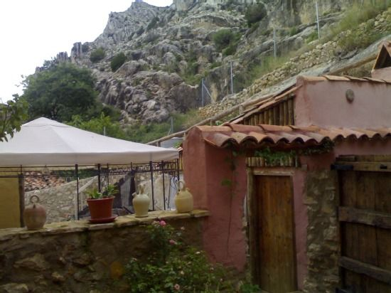 Rural hotel El Castillo for 16 people