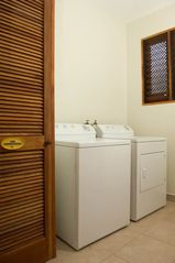 Jaco condo photo - Laundry room