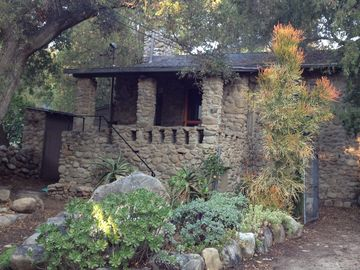 Ojai house rental - Welcome to Casa Piedra, your classic Ojai stone cottage.