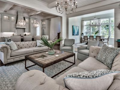 High-end finishes, community pool, quiet neighborhood: Pair-A-Dice