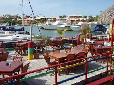 Enjoy the marina with fantastic restaurants only across the water