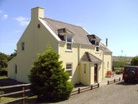 TREWEN, pet friendly, character holiday cottage in Roch, Ref 2044
