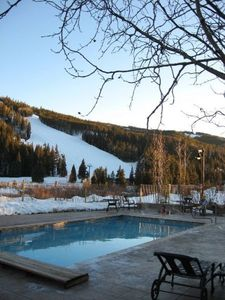 GREAT VIEW, watch the night skiing and relax from your day. 2 hot tubs & a pool