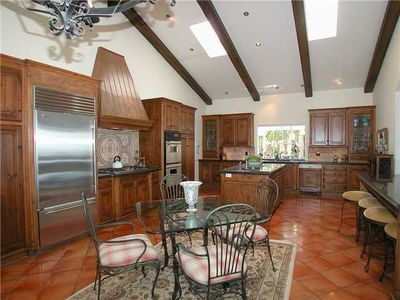 """Entertainers Dream Kitchen"""