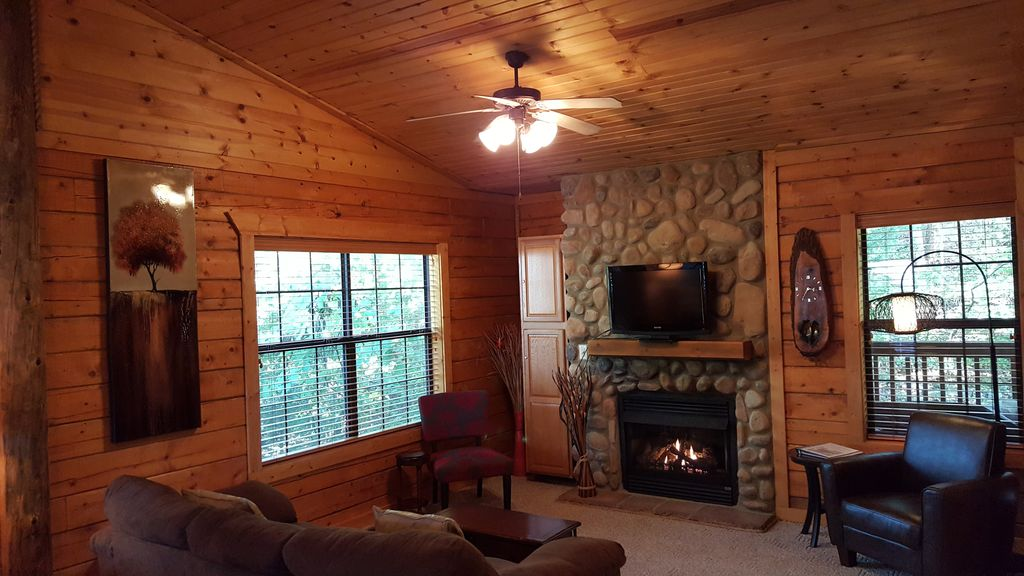 Beautiful Log Cabin At Cabins Of Grand Vrbo