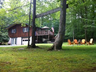 Lake Wallenpaupack house rental - Front View in Summertime