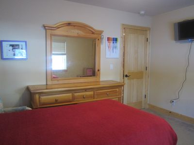 Heavenly Valley house rental - Bedroom 3 with a queen size bed and a Flat Screen TV.