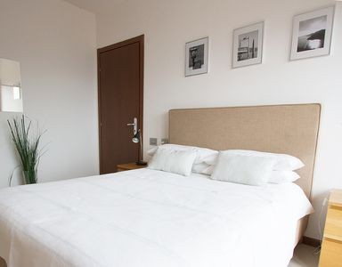 Double bedroom with balcony in Villa Sereni