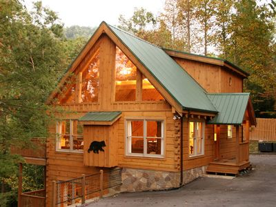 Magnificent log cabin with view 3 mins to vrbo for Bathroom remodel jackson tn