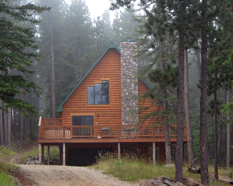 Black hills vacation home log cabin near homeaway for Vacation log homes