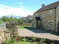YORK HOUSE, pet friendly, with a garden in Hudswell, Ref 4075
