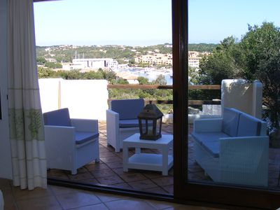 Apartment well distributed, spacious, bright, with beautiful sea view veranda.
