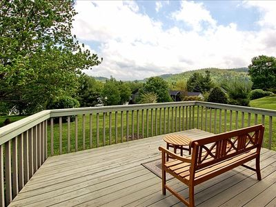Beautiful mountain views from this lovely open deck.