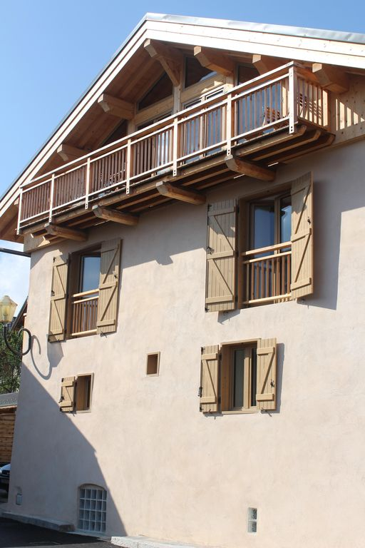 Recently renovated chalet just 5 minutes from Meribel centre.