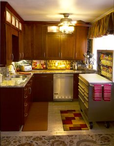 Gourmet's love our fully stocked Kitchen that includes Viking Appliances(S Side)