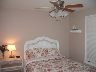 Kiawah Island house photo - 3rd Bedroom with Queen Bed, Cable TV, & Internet