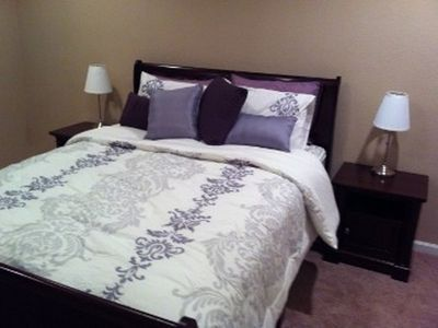 Guest room- Queen Bed