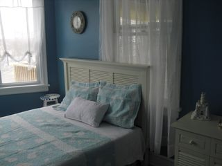 Bedroom 1 (queen size bed) - Wildwood condo vacation rental photo