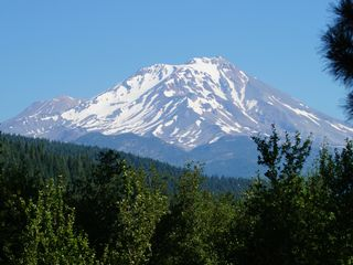 McCloud chateau / country house photo - Closeup of Mt. Shasta from the top of our property.