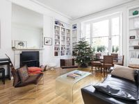 Pleasing Townhouse Apartment With A Patio In Kensington