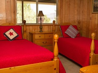 Kanab house photo - Lower bedroom--two twin beds