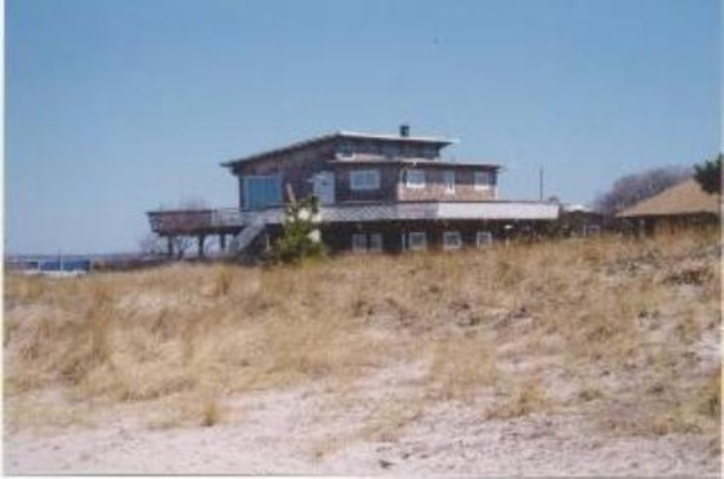 Gorgeous 5 BR Beach House with Pool - 4th House from Ocean!