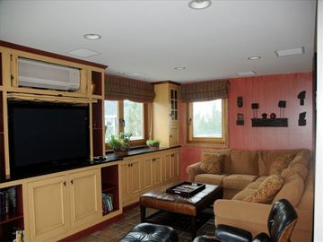 Sunroom / Family TV Room; Big slider to oceandeck; Subzero Frig drawers 4 drinks