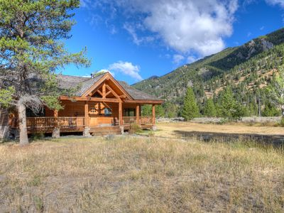 Majestic Views -'Little Big Sky' 4BR, 3BA Winter/Summer Home- Riverside